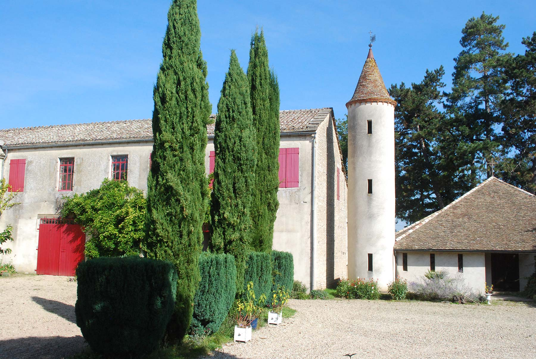 Chateau et dépendances de l'Arvolot
